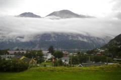 Kjeåsen låg tillfälligt insvept i molndimmor. Vi fick ställa in besöket och fortsätta mot Hardanger.