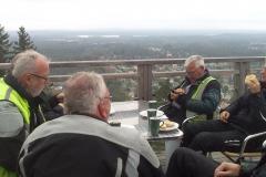16. Fika på 343 meters höjd i Taberg. Bedårande utsikt och lite kill i magen.